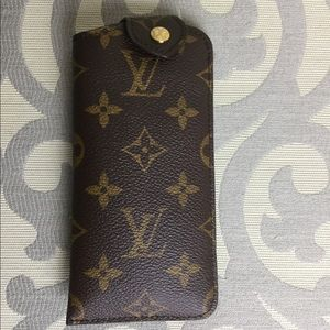 LOUIS VUITTON Monogram Etui A Lunettes PM Case